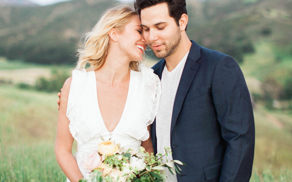Pitch Perfect's Skylar Astin + Anna Camp Engaged!